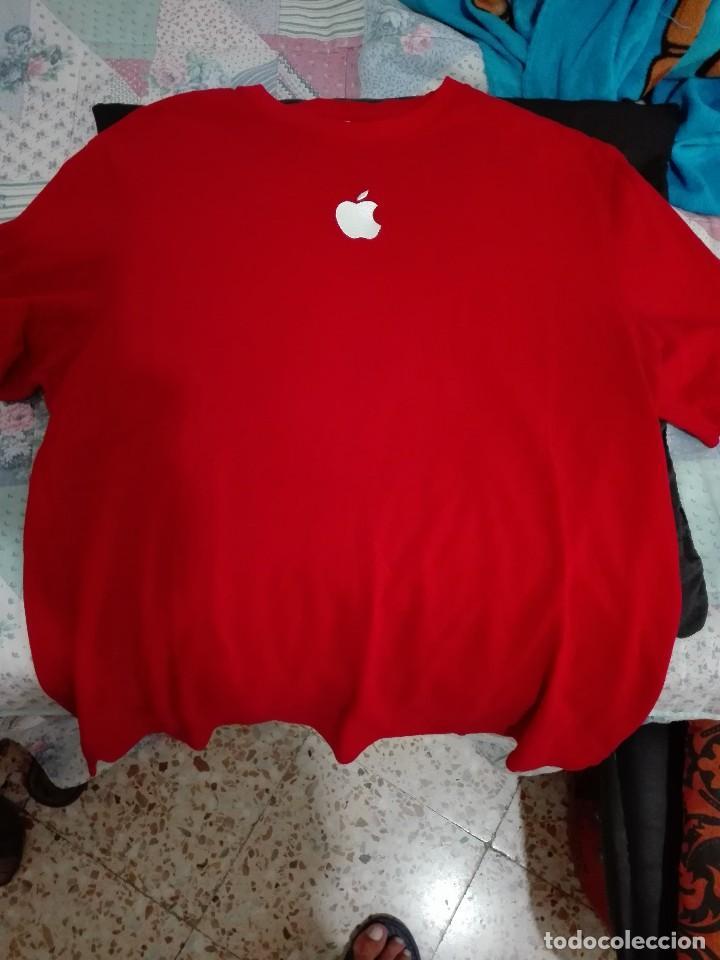 Segunda Mano: Camiseta empleado Apple - Foto 2 - 128050731