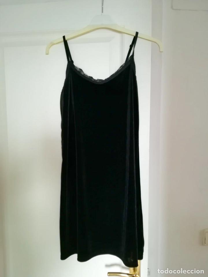 Segunda Mano: Vestido terciopelo negro - Foto 2 - 120705864