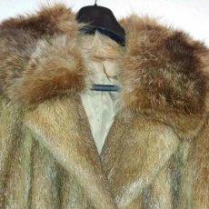 Segunda Mano - Impecable Abrigo piel de Nutria y cuello de marmota - 112752610