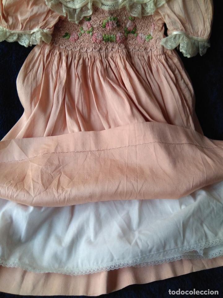 Segunda Mano: Vestido infantil de fiesta seda salvaje? nido de abeja y encajes - Foto 5 - 148707322