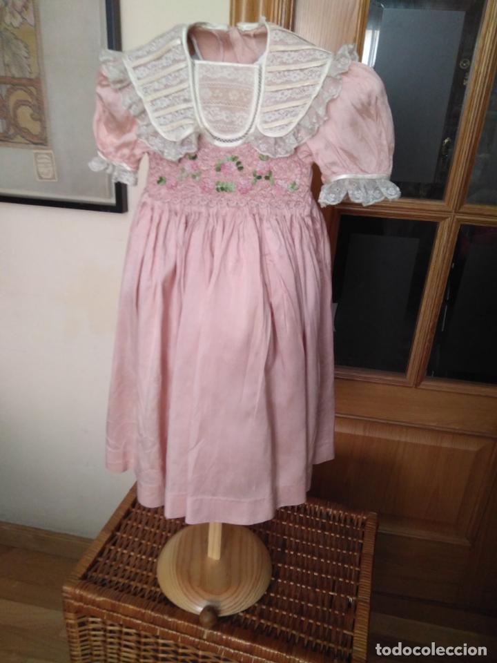 Segunda Mano: Vestido infantil de fiesta seda salvaje? nido de abeja y encajes - Foto 2 - 148707322