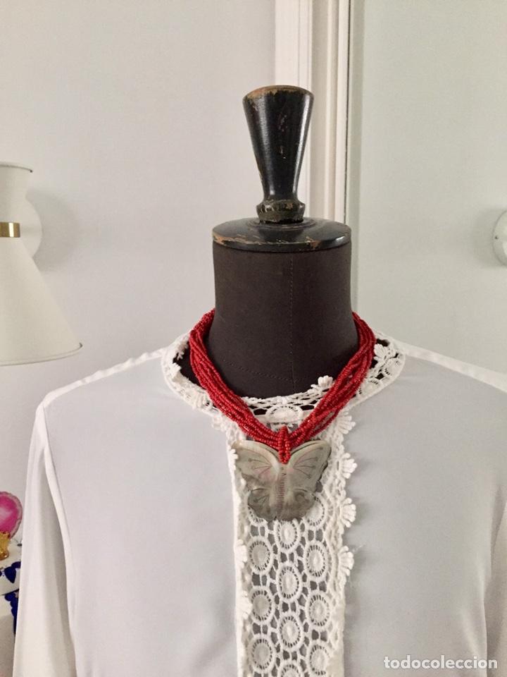 Segunda Mano: Collar mostacillas rojas y mariposa de nacar - Foto 6 - 150570033