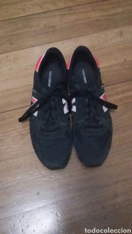 new balance rojas con negro