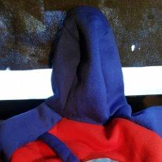 Segunda Mano: ABRIGO DE SUPERMAN, PARA PERRO PEQUEÑO, TIPO CHIHUAHUA O YORKSHIRE. CON PEQUEÑA MOCHILITA EN ESPALDA. Lote 155996746