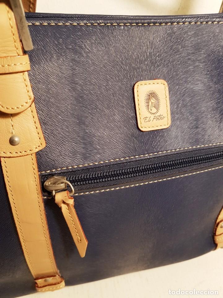 Segunda Mano: Bolso de hombro El Potro, piel de Ubrique. Azul y beige. - Foto 3 - 156010434