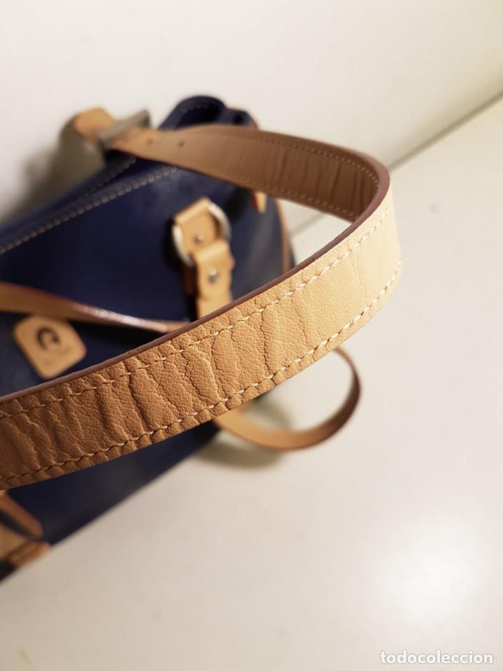 Segunda Mano: Bolso de hombro El Potro, piel de Ubrique. Azul y beige. - Foto 10 - 156010434