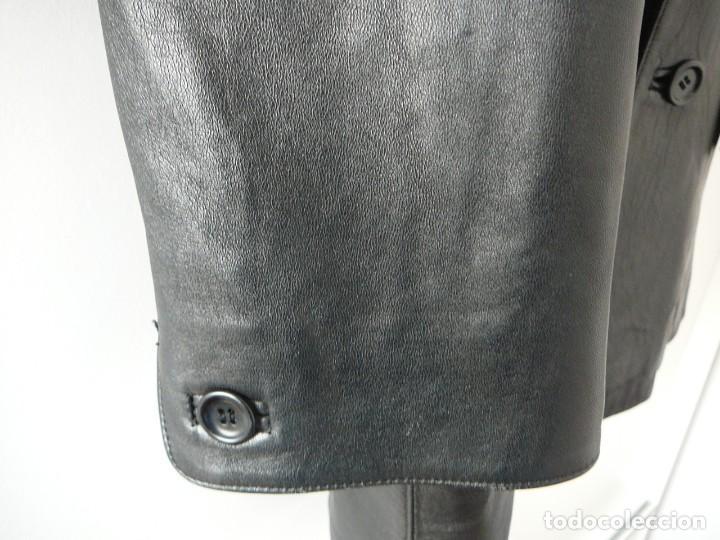 Segunda Mano: Cazadora de cuero negro Abrigo tres cuartos Cortefiel. 48 Talla M. Piel Ovino - Foto 5 - 156745030