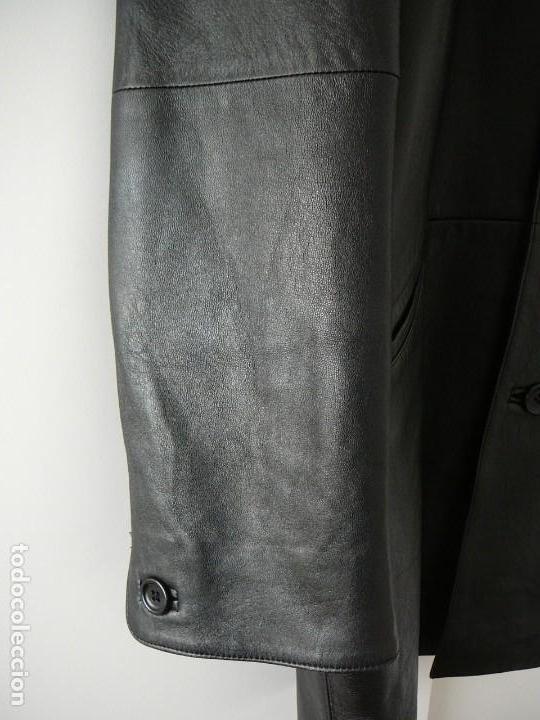 Segunda Mano: Cazadora de cuero negro Abrigo tres cuartos Cortefiel. 48 Talla M. Piel Ovino - Foto 6 - 156745030