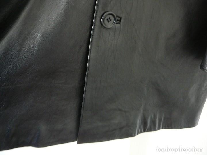 Segunda Mano: Cazadora de cuero negro Abrigo tres cuartos Cortefiel. 48 Talla M. Piel Ovino - Foto 4 - 156745030