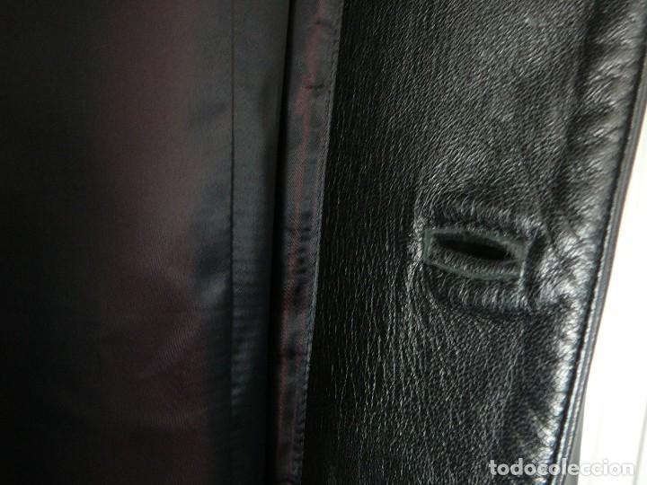 Segunda Mano: Cazadora de cuero negro Abrigo tres cuartos Cortefiel. 48 Talla M. Piel Ovino - Foto 17 - 156745030