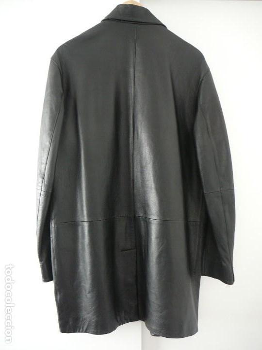 Segunda Mano: Cazadora de cuero negro Abrigo tres cuartos Cortefiel. 48 Talla M. Piel Ovino - Foto 25 - 156745030