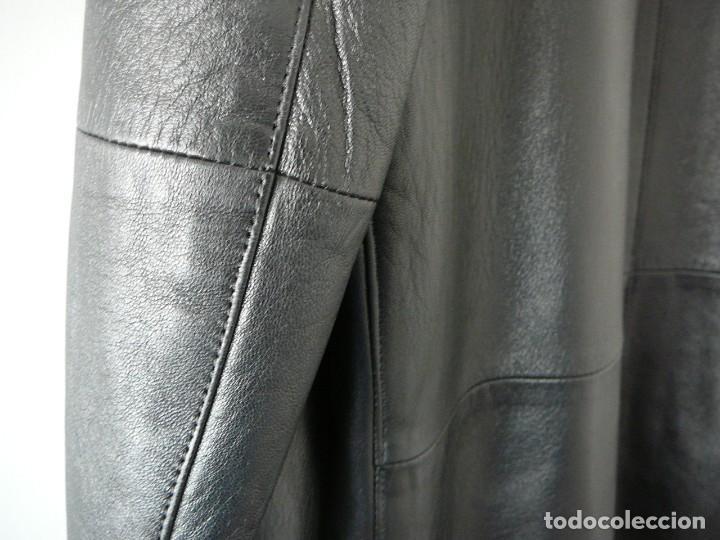Segunda Mano: Cazadora de cuero negro Abrigo tres cuartos Cortefiel. 48 Talla M. Piel Ovino - Foto 26 - 156745030