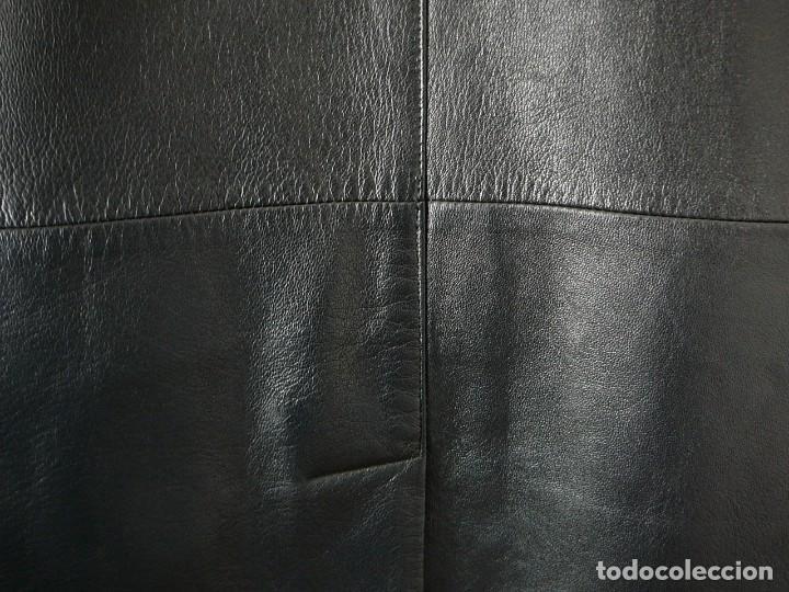 Segunda Mano: Cazadora de cuero negro Abrigo tres cuartos Cortefiel. 48 Talla M. Piel Ovino - Foto 27 - 156745030