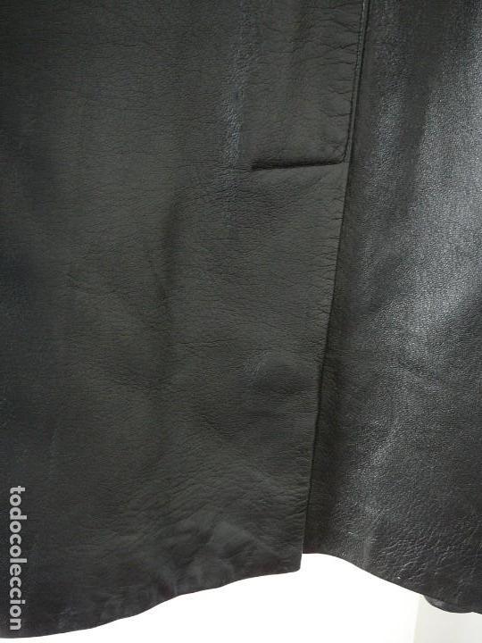 Segunda Mano: Cazadora de cuero negro Abrigo tres cuartos Cortefiel. 48 Talla M. Piel Ovino - Foto 28 - 156745030