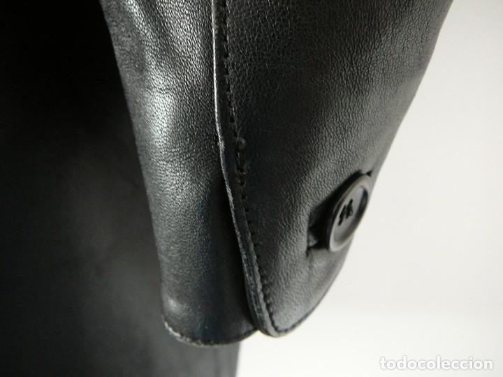 Segunda Mano: Cazadora de cuero negro Abrigo tres cuartos Cortefiel. 48 Talla M. Piel Ovino - Foto 29 - 156745030