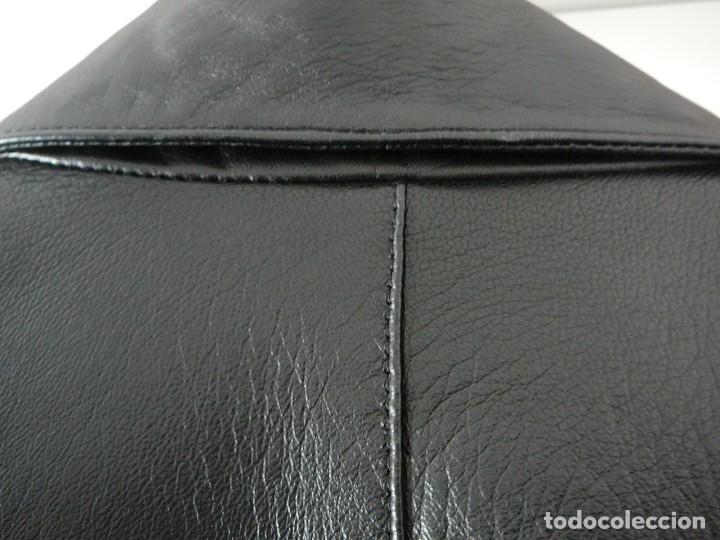 Segunda Mano: Cazadora de cuero negro Abrigo tres cuartos Cortefiel. 48 Talla M. Piel Ovino - Foto 33 - 156745030