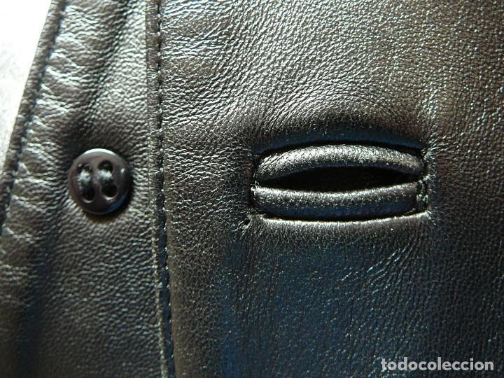 Segunda Mano: Cazadora de cuero negro Abrigo tres cuartos Cortefiel. 48 Talla M. Piel Ovino - Foto 34 - 156745030