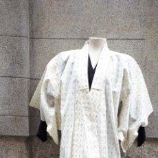 Segunda Mano: KIMONO JAPONÉS SIN FORRO COLOR CRUDO CON PEQUEÑO DIBUJO EN NEGRO. Lote 160857402