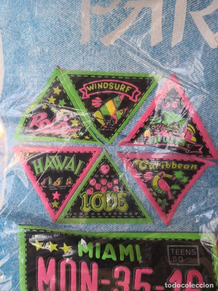Segunda Mano: Coleccion de 24 parches años 70/80 colores fluorescentes varios motivos y medidas - Foto 5 - 162557018