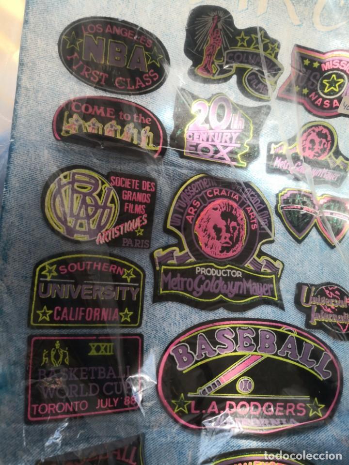 Segunda Mano: Coleccion de 24 parches años 70/80 colores fluorescentes varios motivos USA y medidas - Foto 3 - 162559074