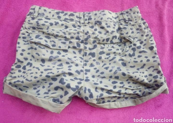 Segunda Mano: Pantalon corto h y m verde leopardo talla 38 - Foto 2 - 165747318