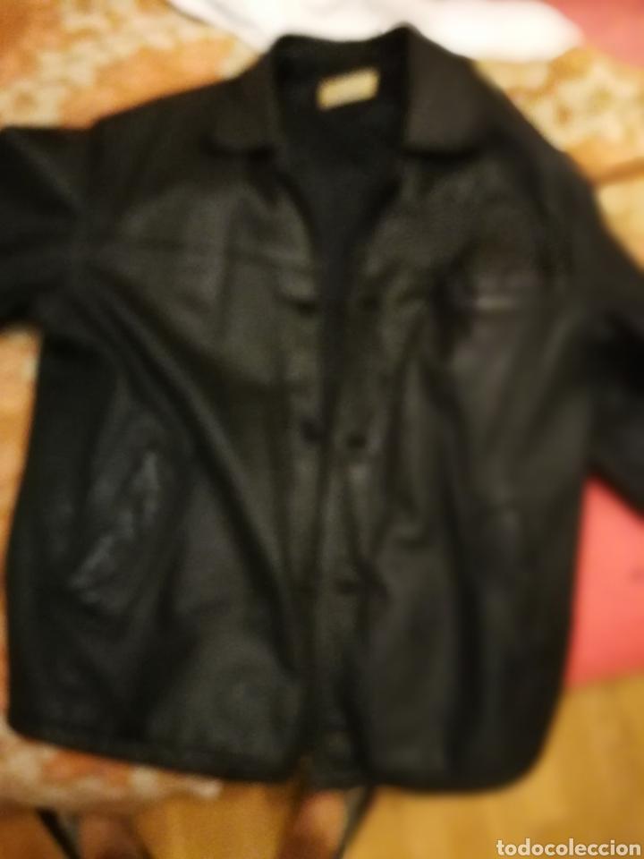 Segunda Mano: Abrigo de piel talla 52 - Foto 2 - 176453795