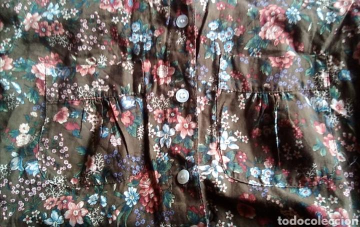 Segunda Mano: Camisa blusa pull and bear manga larga flores talla M 38 - Foto 3 - 176913583