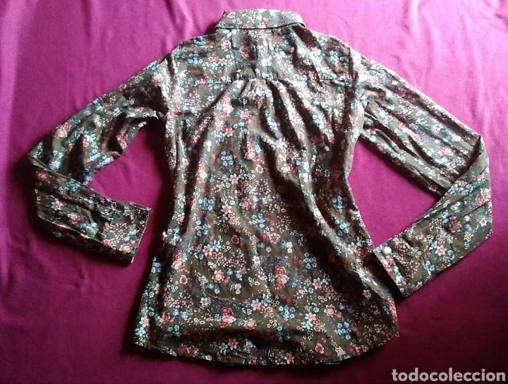 Segunda Mano: Camisa blusa pull and bear manga larga flores talla M 38 - Foto 5 - 176913583
