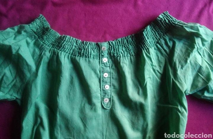 Segunda Mano: Camiseta blusa stradivarius talla S verde - Foto 2 - 178245860
