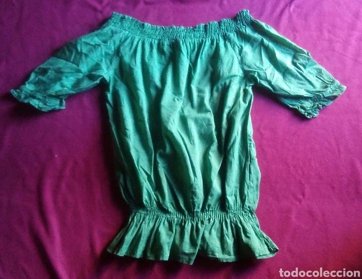 Segunda Mano: Camiseta blusa stradivarius talla S verde - Foto 5 - 178245860