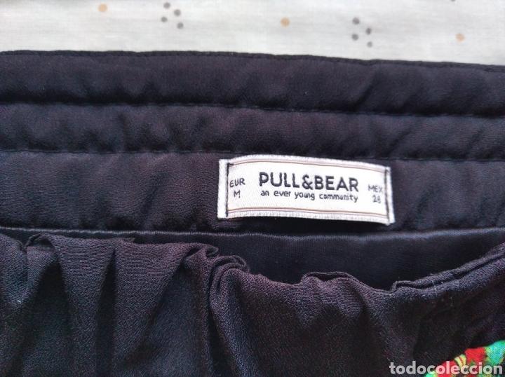 Segunda Mano: Falda mini Pull and Bear talla m elástica cremallera - Foto 5 - 183440248