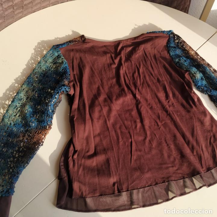 Segunda Mano: Camiseta de manga larga y cuello de pico. Talla M - Foto 2 - 184897430