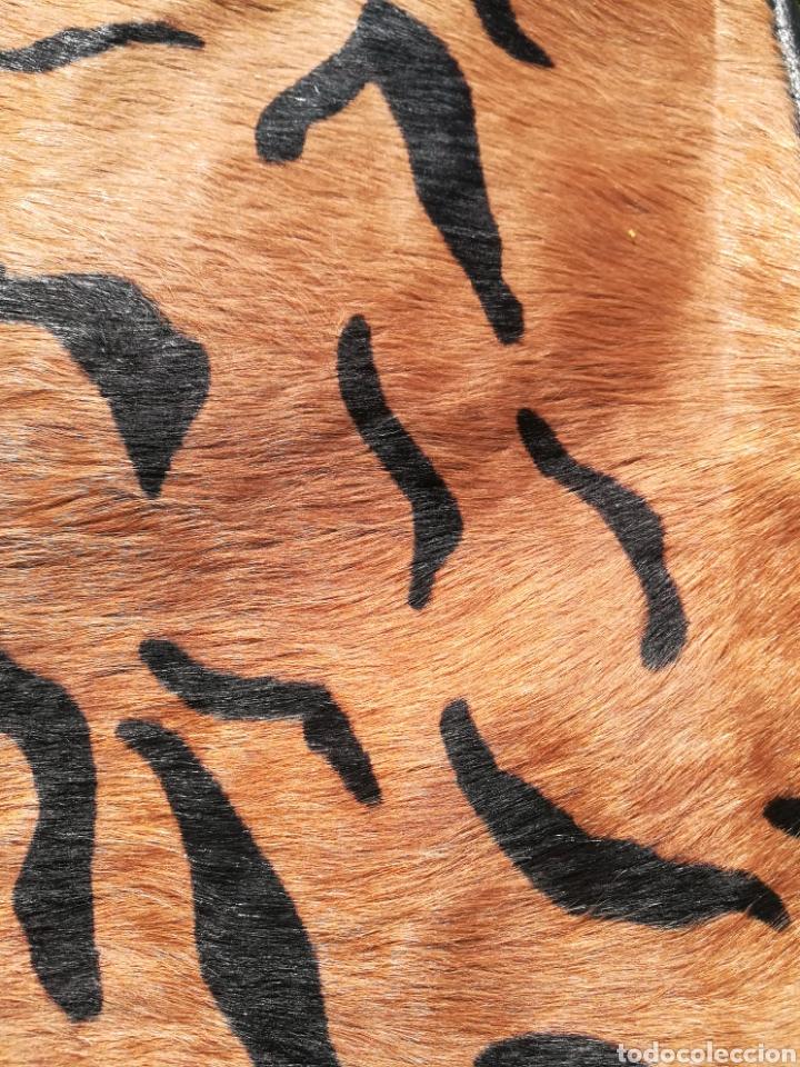 Segunda Mano: Bolso bandolera grande piel y pelo natural - Foto 2 - 194781176