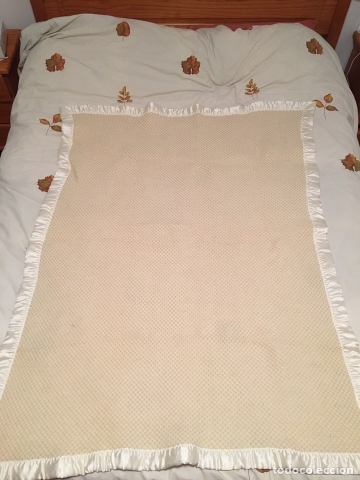 Segunda Mano: Manta de pura lana virgen hecha en Leon color hueso - Foto 4 - 195353368