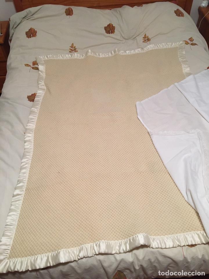 Segunda Mano: Manta de pura lana virgen hecha en Leon color hueso - Foto 2 - 195353368