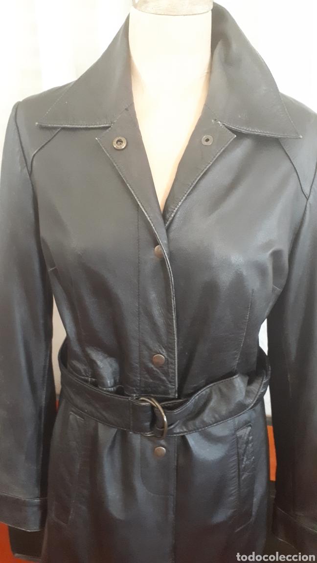 Segunda Mano: Chaqueta abrigo piel negra talla 40 tres cuartos entallada cinturón vintage - Foto 2 - 195472686