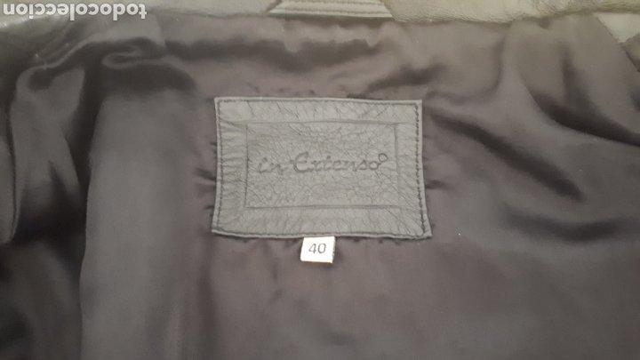 Segunda Mano: Chaqueta abrigo piel negra talla 40 tres cuartos entallada cinturón vintage - Foto 4 - 195472686