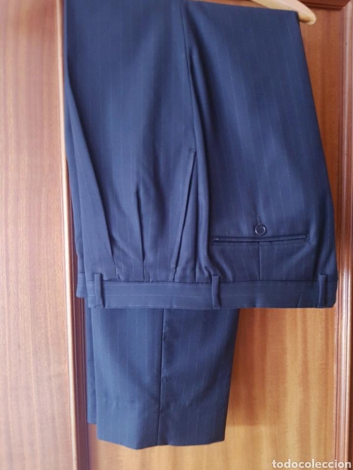 Segunda Mano: Traje con americana y pantalón de Piedro del Hierro - Foto 4 - 212938937