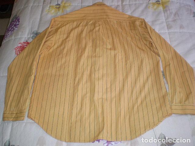 Segunda Mano: Lote 3 camisas de hombre en muy buen estado (Armani Jeans m/c, Ralph Lauren m/l, Tommy Hilfiger m/c) - Foto 11 - 213241466