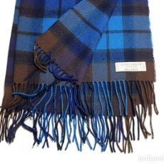Segunda Mano: LOCHCARRON OF SCOTLAND/ MANTA-BUFANDA MODELO BUCHANAN BLUE TARTAN 100% LANA. Lote 222161345