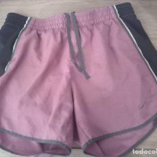 Segunda Mano: SHORT RUNNING CHICA NIKE. COLOR ROSA Y GRIS. DRI – FIT. TALLA XS. MADE IN VIETNAM. Lote 245506660