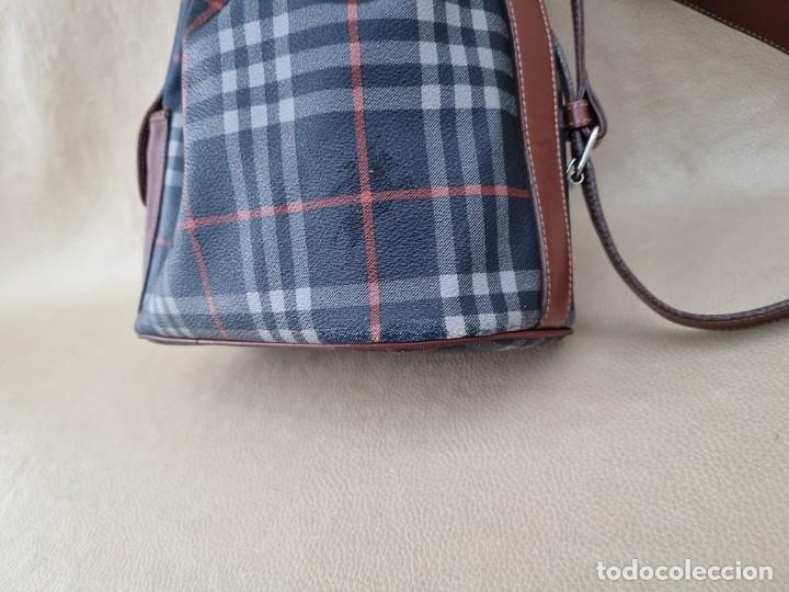 Segunda Mano: Precioso bolso tipo saco marca Burberry - Foto 10 - 268731729