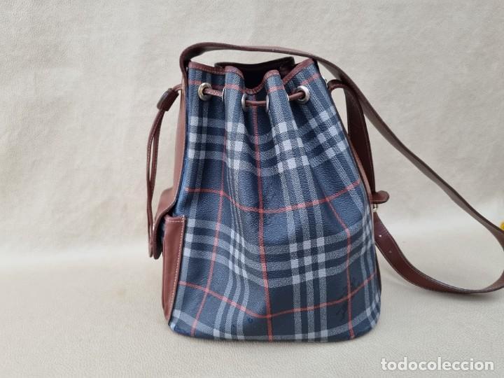Segunda Mano: Precioso bolso tipo saco marca Burberry - Foto 13 - 268731729