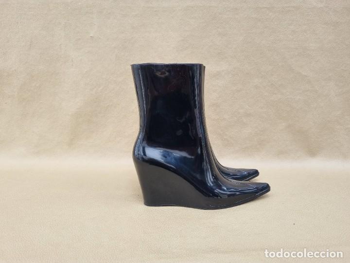 Segunda Mano: Botas de agua de mujer marca Melissa - Foto 2 - 268732734