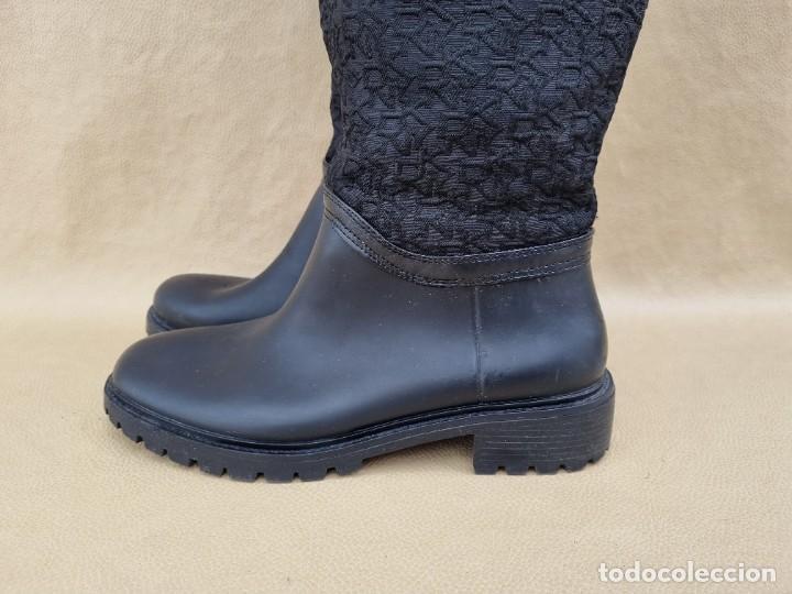 Segunda Mano: Botas de agua de mujer marca DKNY - Foto 5 - 268733354