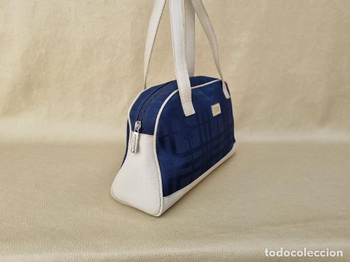 Segunda Mano: bolso de hombro marca Burberry en lona azul marino - Foto 6 - 268734844