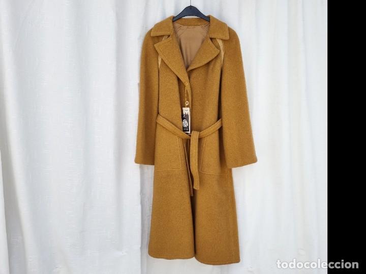 Segunda Mano: abrigo vintage color marrón camel talla 46 S - Foto 2 - 268736189