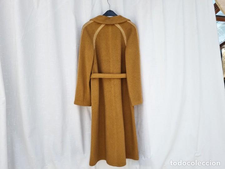 Segunda Mano: abrigo vintage color marrón camel talla 46 S - Foto 3 - 268736189