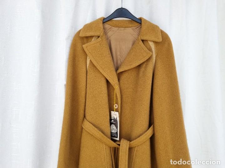 Segunda Mano: abrigo vintage color marrón camel talla 46 S - Foto 9 - 268736189