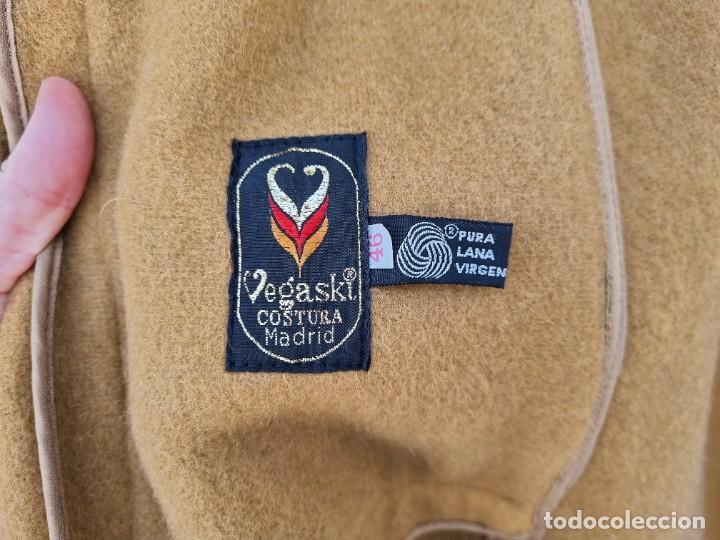 Segunda Mano: abrigo vintage color marrón camel talla 46 S - Foto 10 - 268736189